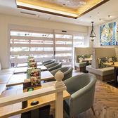 ゾーン毎にデザインが異なるテーブル ※写真はイメージです。