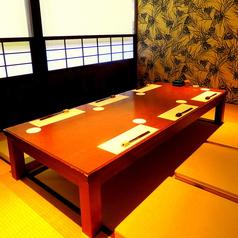 お座席個室は2~6名のお部屋が2部屋、8~18名のお部屋が1部屋ございます。