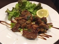 料理メニュー写真黒い羊(ラムソテーバルサミコソース)