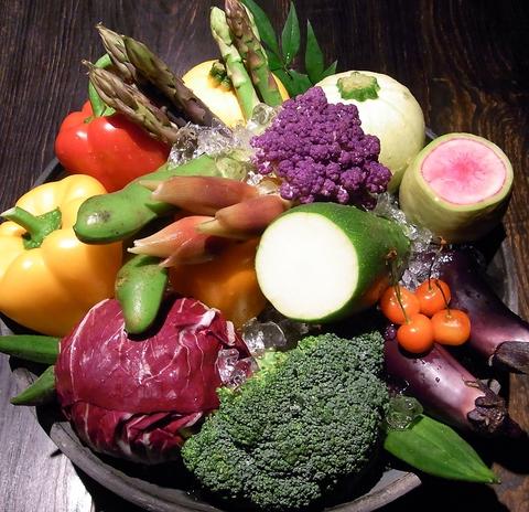 無農薬野菜や魚や肉などの旬の新鮮食材の魅力を、表参道でたっぷり味わう贅沢な時間
