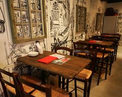 【1階】4名様まで座れるテーブル席も3席ご用意ございます!