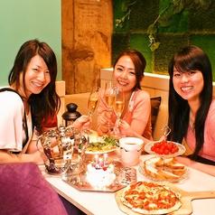 レースに囲まれた半個室の御姫様空間は、カップルや誕生日会、女子会に大人気です!