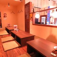 内観は暖かい雰囲気で過ごしやすいお店!