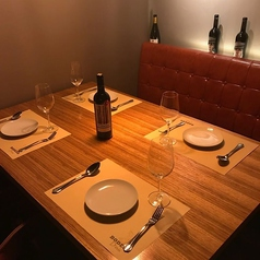 【 VIP個室 10名様・半個室にも♪ 】5名×2卓の半個室になるタイプのお席!お祝い・宴会・女子会などのご利用に最適です!