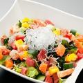 料理メニュー写真海せん海鮮サラダ