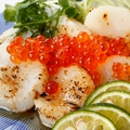 料理メニュー写真鮮魚のカルパッチョ(本日の鮮魚はスタッフにお尋ねください)
