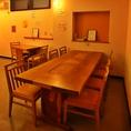 8人掛けの大きなテーブル
