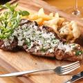 料理メニュー写真ブラックアンガス牛ロース肉のグリル キノコのフリット添え