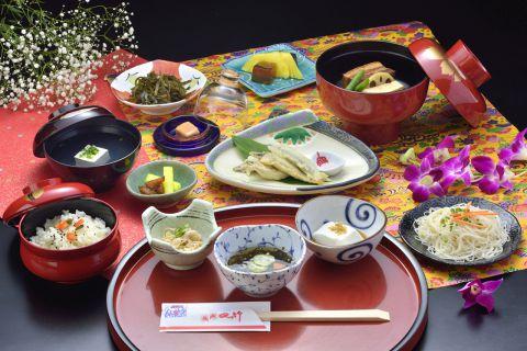 【琉球料理コース】かせかけ全13品4000円(税込4400円)