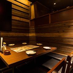 中洲川端駅徒歩1分!落ち着いた雰囲気の洗練された洋空間へご案内いたします。お仕事帰りの飲み会、ご友人とのお食事,デートにぴったりなくつろぎ和空間をご提供致します。