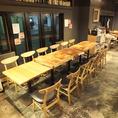 テーブル席は繋げて最大15名様まで宴会可能!開放感あふれる店内で最高の宴会を!25名様以上で貸切も可能です!