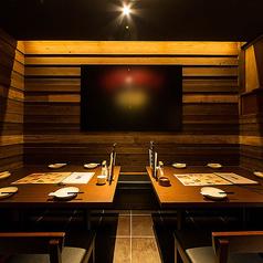 中洲川端でのお宴会にオススメの個室を少人数のお席から大人数のお席までラインナップを豊富にご用意しております!プライベート空間でごゆっくりご宴会をお楽しみください。