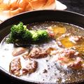 料理メニュー写真トリハツのアヒージョ