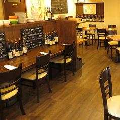 カウンターは全3席ご用意がございます。お一人のお客様や並んでお食事を愉しまれる方にぴったりのお席となっております!