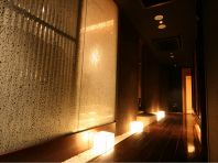 全8室の雰囲気の異なる完全個室。ゆるやかに流れる時間