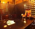 各テーブル毎に、一定の間隔と仕切りをご用意しておりますので、お隣の視線を気にせず楽しめます。
