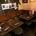 ◆エルビス前◆往年の大スターエルビスプレスリーのポスターだらけ!8~10名様対応席・空間を一つにすると15名様まで入れます!