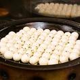 焼き小龍包など70種類のお料理が食べ飲み放題コースは3500円(税抜)~!熱々をご提供いたします!
