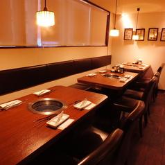 余裕を持った席でゆったり食事を愉しめます!!4名~30名まで幅広く対応致します★