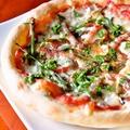 料理メニュー写真自家製ピザ イタリアンバジル