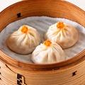 料理メニュー写真上海蟹味噌大湯包(3個)