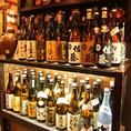 お酒のラインナップが充実。情緒溢れる隠れ家で、おすすめのお酒に合わせて串揚げをお召し上がりください。