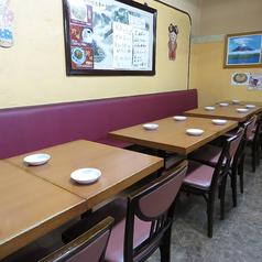4名様テーブルを3卓ご用意致しております。