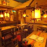 《おばあや》【拡大RENEWAL】沖縄のおばあのおうちに遊びにきたみたい♪そんなあったかい空間です。少人数から大人数迄、自由に組み替えられるテーブル席。離れの『おばあや』まるごと貸切も大歓迎♪