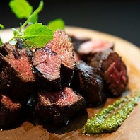 ブラックアンガス牛ハラミのロティなど厳選肉料理