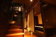 一軒家を改装したスタイリッシュな完全個室空間