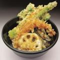 料理メニュー写真天丼(みそ汁、おしんこ付)