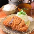 料理メニュー写真上ロースカツ定食(白王)