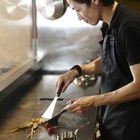 目の前で調理する創作鉄板料理の数々!【 個室 】も完備