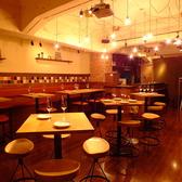 配置自由なテーブルなので小宴会にも、貸切にも対応可能です。