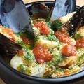 料理メニュー写真魚介のアヒージョ トマトバジル風味