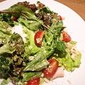 料理メニュー写真いわい鶏むね肉低温ボイルハムの温玉サラダ