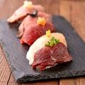 料理メニュー写真肉握り5種盛り合わせ