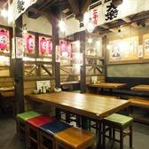 お仕事帰りのサク飲みやデートなど、少人数用のお席も充実しています。ワイワイ気分で楽しみたいなら2000円酒場へ☆