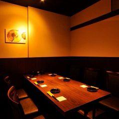 6名様用のテーブル個室になります。