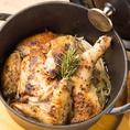今流行りのダッチオーブンを使用して様々な肉バル料理を提供いたしております。旨味をギュッと閉じ込めるよう、じっくりと火を通しておりますのでその味わいは絶品!