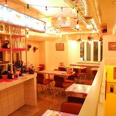墨国回転鶏料理 梅田茶屋町店の雰囲気1