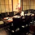 人数に応じて配置変更可能なテーブル席