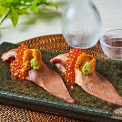 NEW!!【牛タンのウニクラ寿司】牛タンの食感を楽しみながらプチプチの新鮮いくらや甘味ある雲丹まで堪能◎