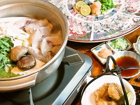 ふぐ・すっぽん料理が中心の日本料理店。料理も雰囲気もぜいたく気分を味わえます。