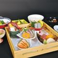 料理メニュー写真刺身御膳(刺身・煮物・小鉢・ごはん・赤出汁・香の物・水菓子)