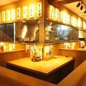 【新橋・西口】2人で飲むのも、お仕事帰りに一人でふらっと立ち寄りもOK♪目の前で調理の様子が見える、ライブ感のあるお席です!