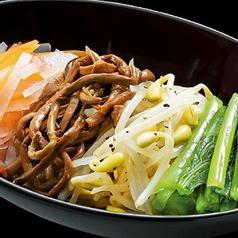 料理メニュー写真ナムル盛合せ/韓国のり/カリッとろたこ焼