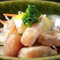 料理メニュー写真地鶏胸の炭火タタキ~自家製ポン酢~