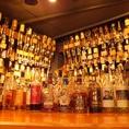 ビールだけでない、250種類以上のボトルがズラリ!あなたのお好みのお酒を見つけます♪