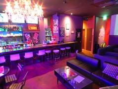 クラブ女子会や、合コンにおすすめのふかふかソファー。ゴージャスな空間が、贅沢な気分になれる♪